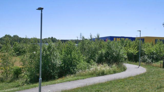 Meadowhall Way Footpath (1)